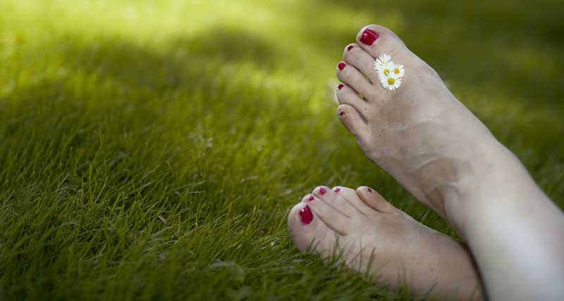 pedikir noktiju na nogama
