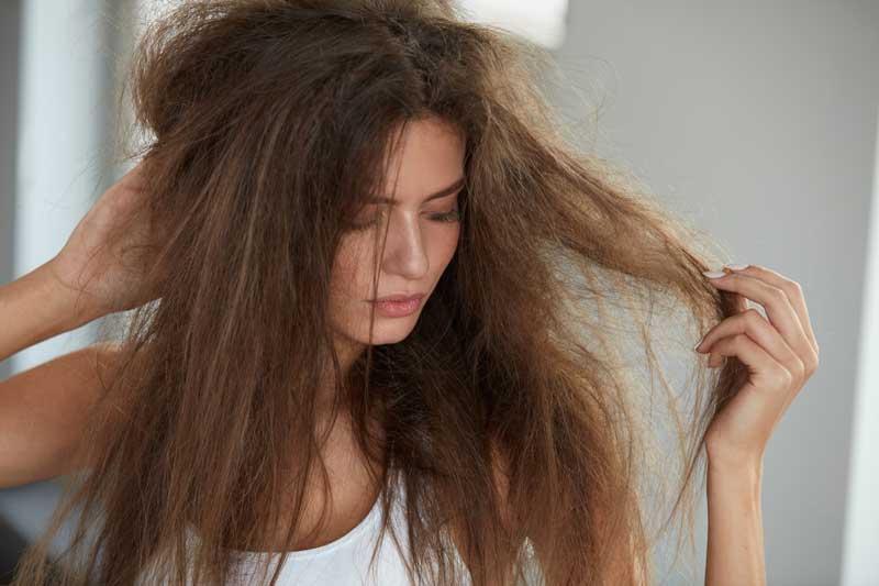 zamršena suva kosa
