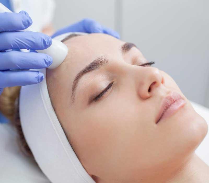 tretmani lica protiv akni