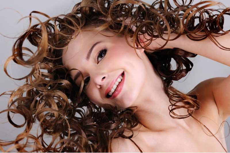 hidratacija kovrdžave kose