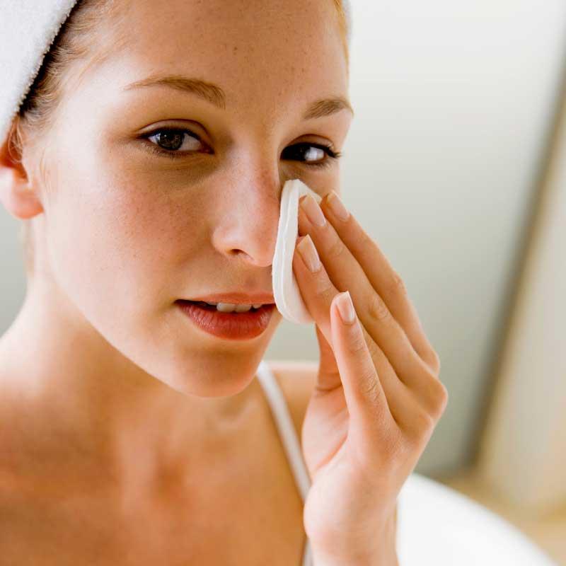 kako očistiti lice od akni