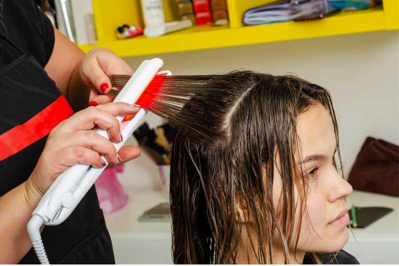 peglanje mokre kose